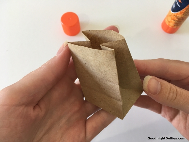 DIY Mini Paper Bag for 18 Inch Dolls 27